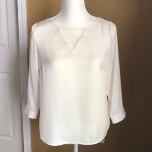 3/$15 Cream silky blouse with lace neck detail